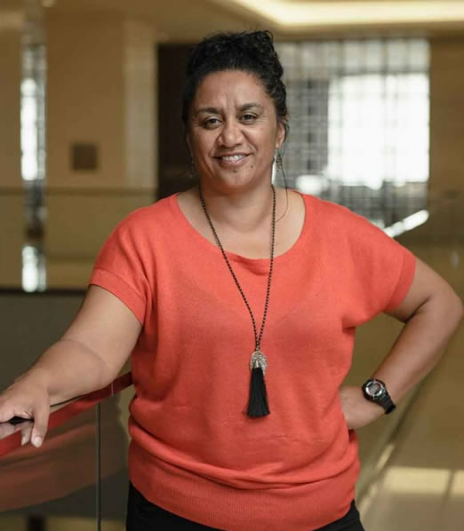 Dr Riri Ellis